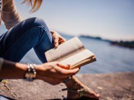 Fata cu carte