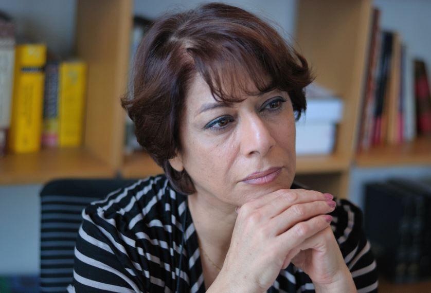 """Parinoush Saniee a scris """"Cel care ma asteapta"""", cea mai citita carte din Iran"""