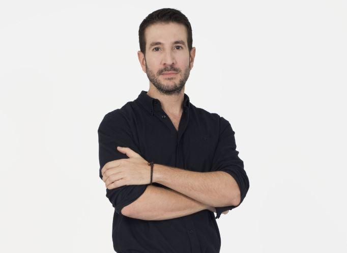 """Alex Michaelides este autorul romanului """"Pacienta tăcută"""""""