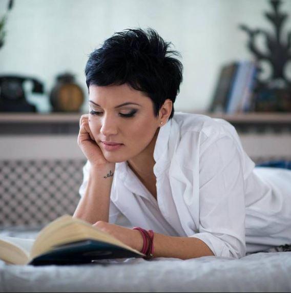 Petronela Rotar, autoarea romanului Orbi