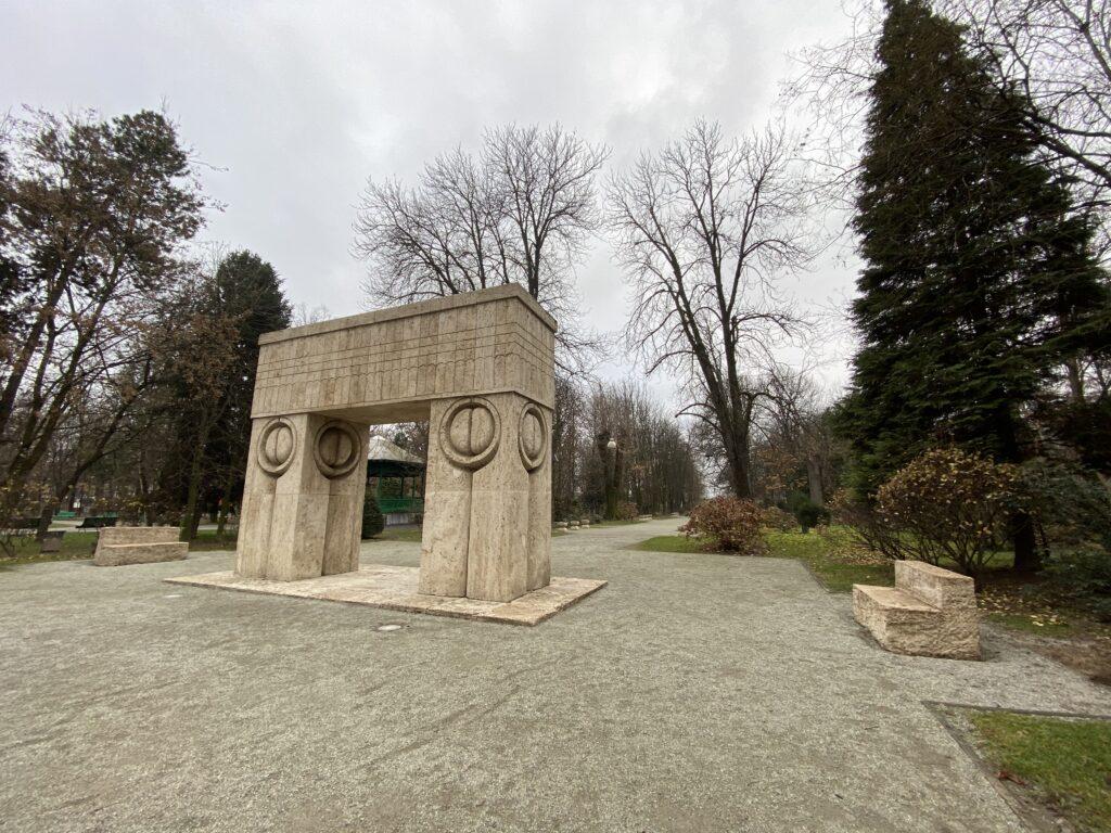 meleaguri-românești-Târgu-Jiu-Vârful-Roman